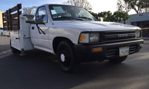 1990-Toyota-Pickup-1.jpg